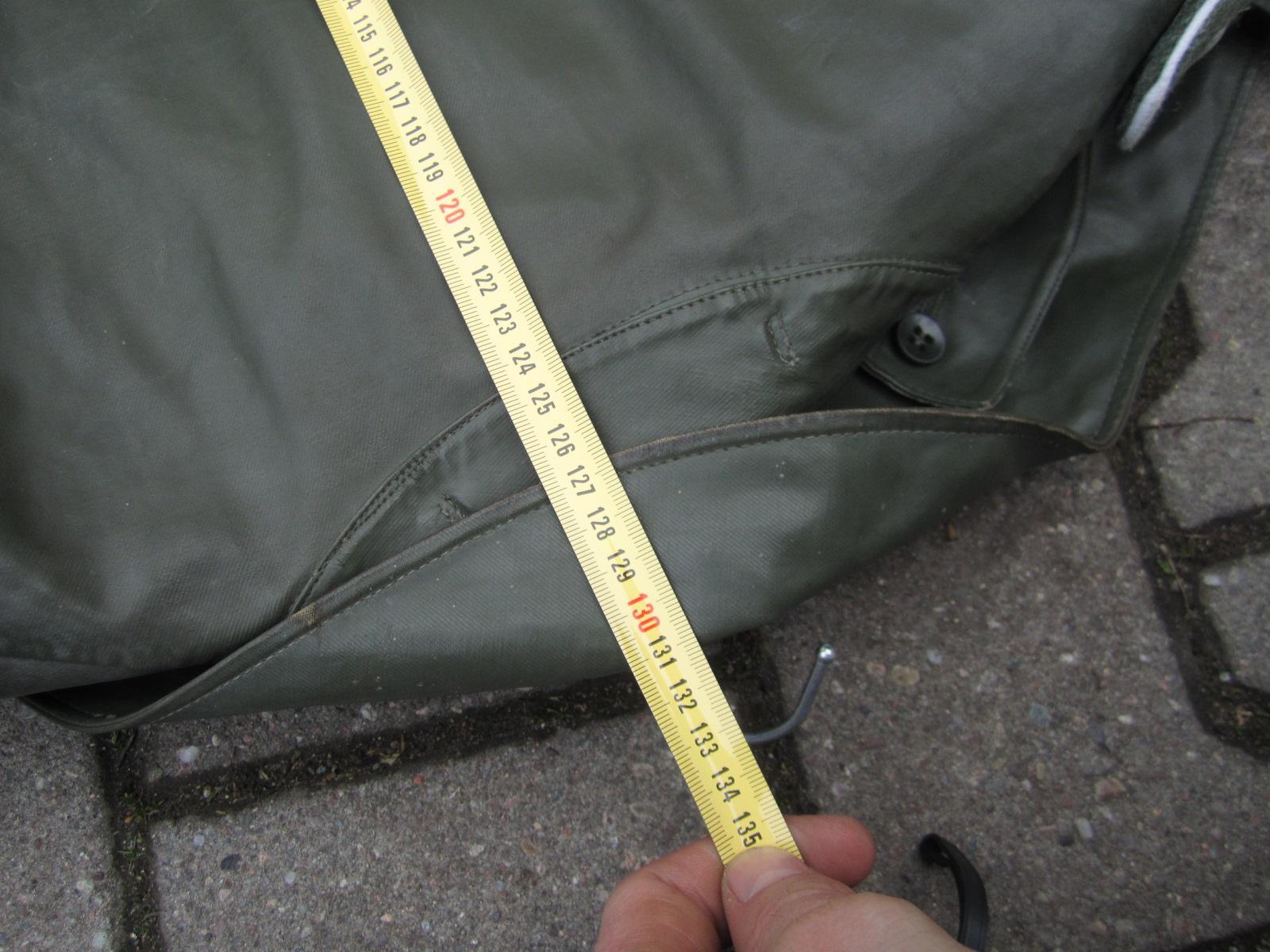 Identification Manteau de pluie WH Fee7cfc1-790a-4222-8533-35cca922dd05