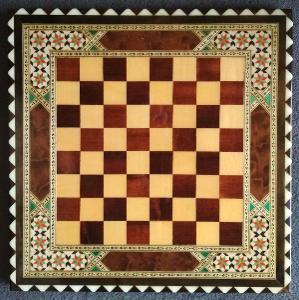 Šachovnice vykládaná barevná orientální dřevo lak