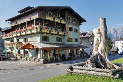 Poukaz do horského hotelu v Itálii na 5 nocí s polopenzí - lyže, golf