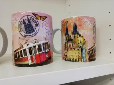 Hrnek Praha Týn a tramvaj