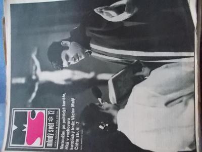 Starý časopis Mladý Svět 1990 kněz biskup chartista Václav Malý