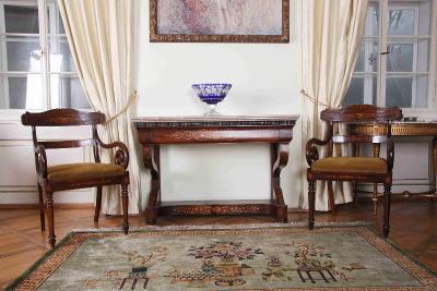 Konzolový stolek Charles X. Intarzie. Mramor