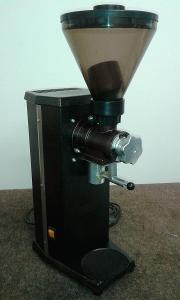 Mlýnek na kávu SANTOS