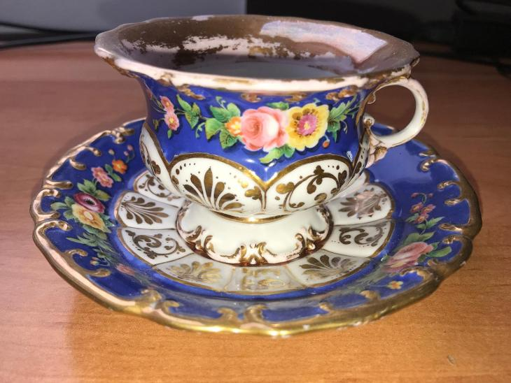 Porcelánový šálek s podšálkem, rok cca 1850, neznačeno, výška 6,5 cm - Porcelán
