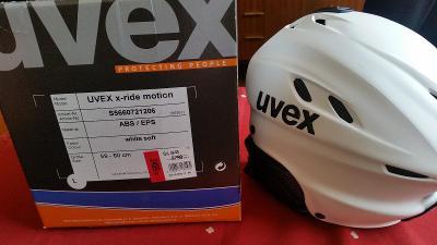 Rozbalená zimní lyžařská helma (přilba) UVEX