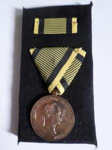 VÁLEČNÁ MEDAILE - 2. DECEMBER 1873- František Josef I.