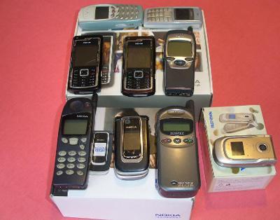 Mobilní telefony - funkční 9 ks
