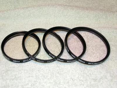 Konvolut filtrů HOYA (49 až 58mm)