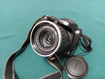 Digitální zrcadlovka FUJIFILM FinePix S5600 - funkční