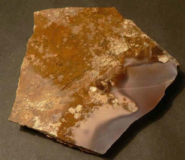 bm 11 Chalcedon Ahníkov - Minerály a zkameněliny