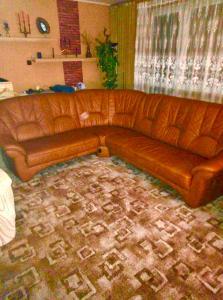 Prodám rohovou koženou sedací soupravu.