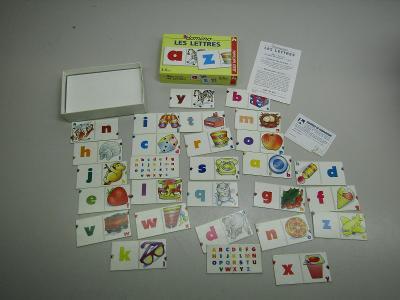 Staré plastové domino Les Lettres