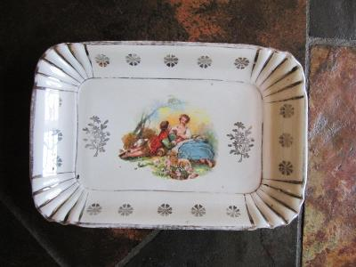 Starý porcelánový tác,tácek,podnos, galantní scéna
