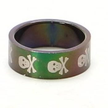 Ocelový prsten s lebkami tmavý