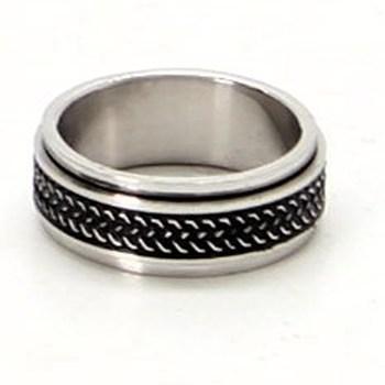 Ocelový prsten s černým pruhem