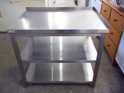 Stůl nerezový 70 x 100 x 88 cm.