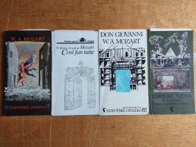 Brožury z divadla a opery