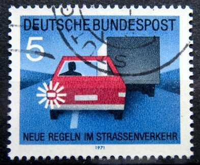 BUNDESPOST: MiNr.670 Signal to Pass 5pf, New Traffic Rules 1971