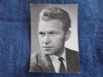 Foto Rosegnal  pohlednice Československo herec Luděk Munzar