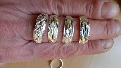 postříbřené  prsteny,nové  vel.univerzální