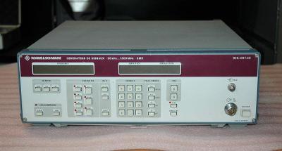 AKCE- Rohde & Schwarz SMX signální generátor 0,1-1000MHz- AKCE