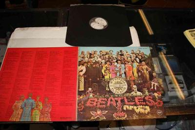 BEATLES - SGT.PEPPERS LONELY HEARTS CLUB BAND - JAPAN
