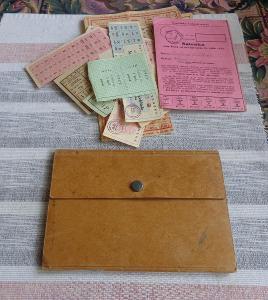 14ks potravinových lístků z Protektorátu až do 1951 s orig. peněženkou