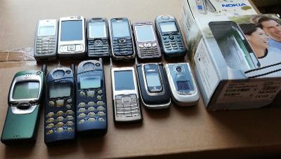 Staré mobily na díly - konvolut, poškozené telefony, Nokia