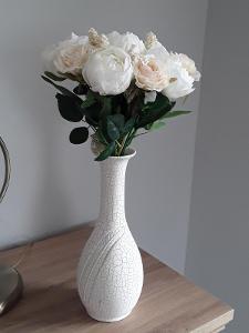 Květinová dekorace - pivoňky a růže