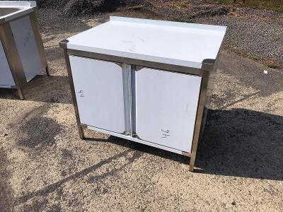 Nerezový stůl se skříňkou 80x70x85cm