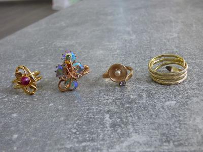 4x pouťouvý prstýnek, starý, obecný kov, různé stavy