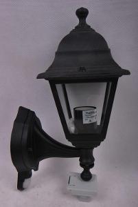 Venkovní světlo se senzorem  zn.Massive černé (6268M)