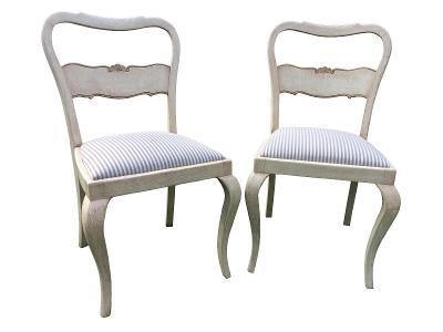 Páreček jídelních židlí ve vintage stylu