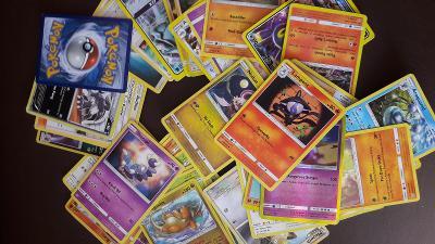 Kartičky Pokemon 48 ks,PC 500kč