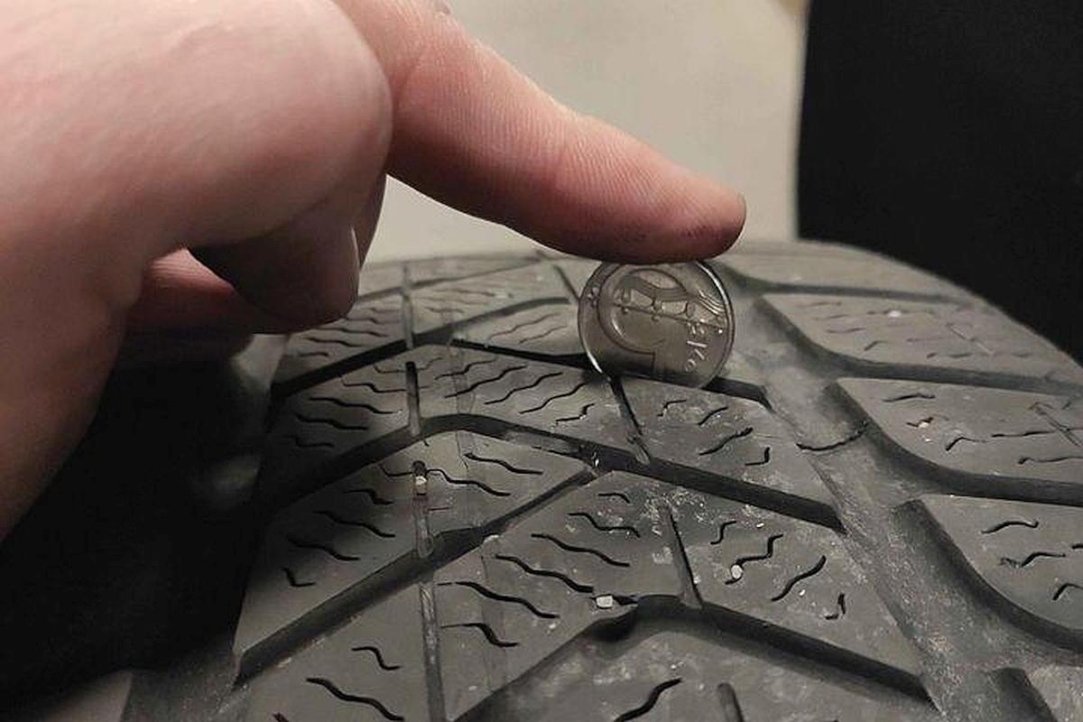 Jak poznat pomocí mince, že není pneumatika příliš sjetá