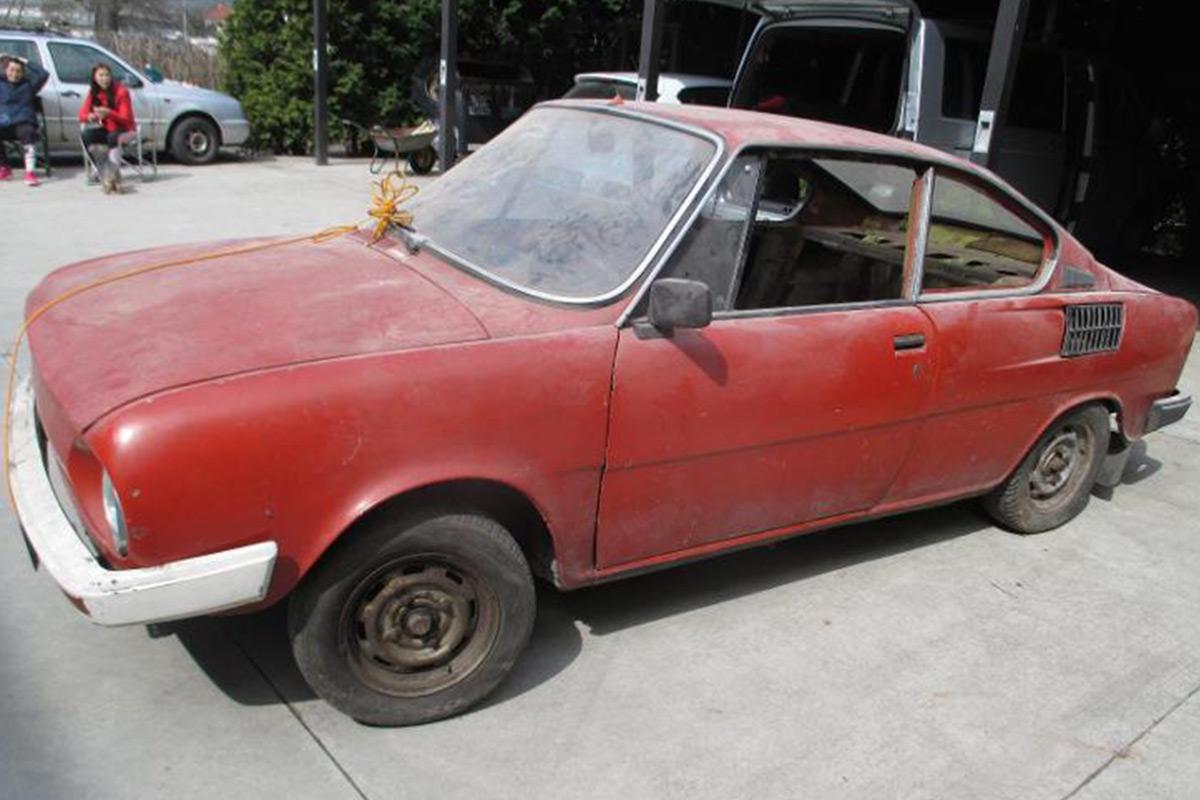 Škoda 110 R k renovaci - veterán